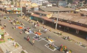 Cư dân mạng 'dậy sóng' với hình ảnh chợ giãn cách ở Myanmar