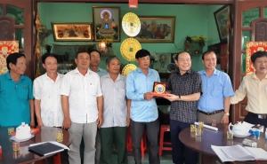 Chủ tịch Nguyễn Ngọc Bảo và đoàn công tác làm việc tại Bến Tre