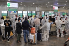 Mở lại các đường bay: Giám sát người nhập cảnh như thế nào?
