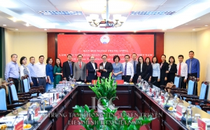 Ban Đối ngoại Trung ương làm việc với Đảng đoàn Liên minh HTX Việt Nam