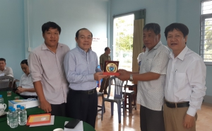 Chủ tịch Nguyễn Ngọc Bảo cùng đoàn công tác thăm và làm việc tại các hợp tác xã tỉnh Bến Tre