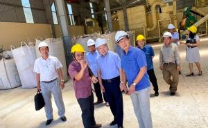 Chủ tịch Nguyễn Ngọc Bảo và Đoàn công tác Liên minh HTX Việt Nam làm việc với các HTX tại Phú Yên