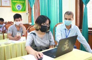 Hà Giang: Hướng dẫn HTX, tổ hợp tác cập nhật thông tin điện tử hàng hóa