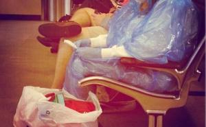 """Sợ Ebola, người Mỹ tự """"vũ trang"""" bằng đồ bảo hộ"""