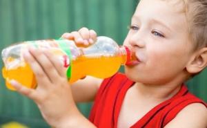 Nước ngọt có hại cho trí nhớ của trẻ em