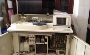 Vụ máy xét nghiệm sinh hóa: Nghi làm giả giấy tờ?